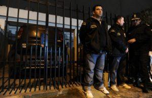 Nota 170 - El detenido por tomar rehenes en Villa Tesei era buscado por secuestros extorsivos.jpg