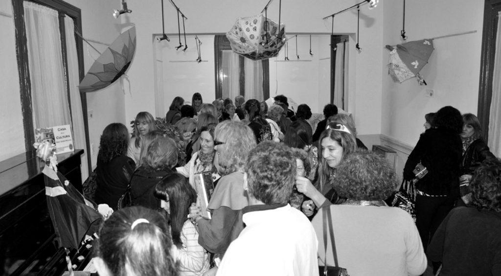 Nota 204 - Paraguas intervenidos en la Casa de la Cultura.jpg