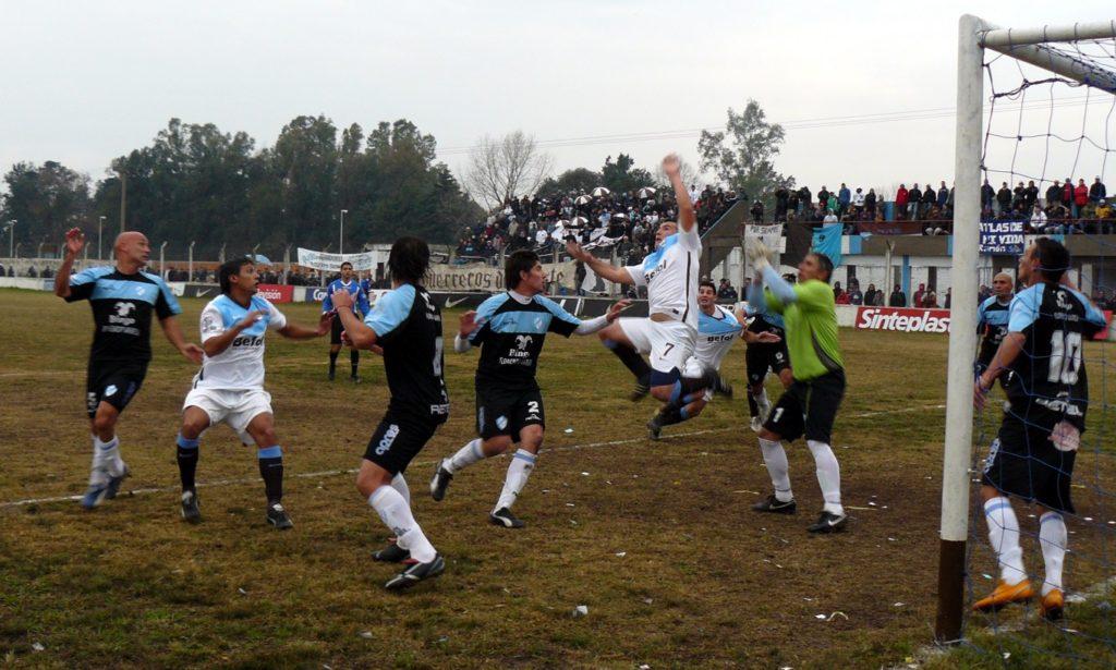 Nota 247 - Atlas 0 vs Argentino de Quilmes 0.JPG