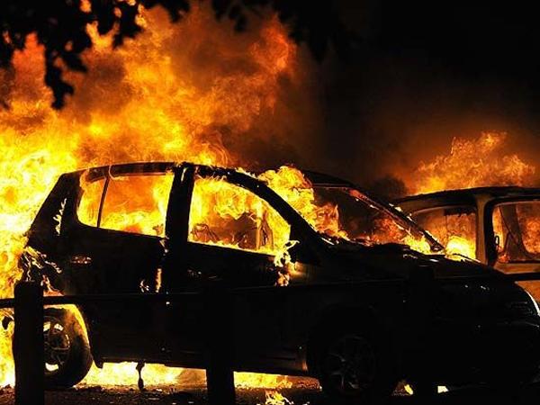 Autos quemados.jpg