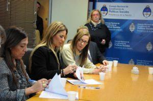 19-06-2014 - Nora firma convenio para la compra de transportes escolares para escuelas especiales 2.jpg